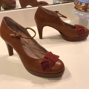 Anthro Vintage Miss Albright Bow pumps sz 7.5 B